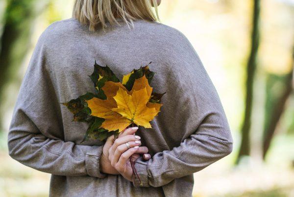 Come affrontare il cambio di stagione e istanchezza, ansia, sbalzi d'umore
